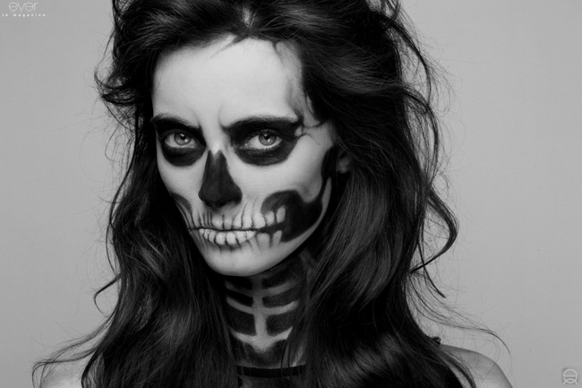 Halloween skull make up