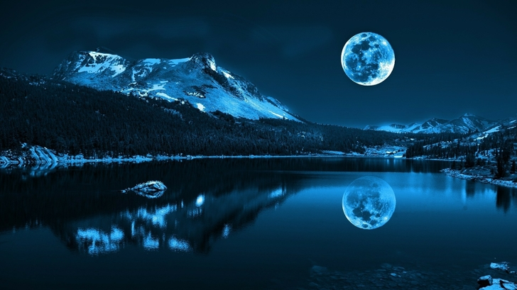 Night moon lake
